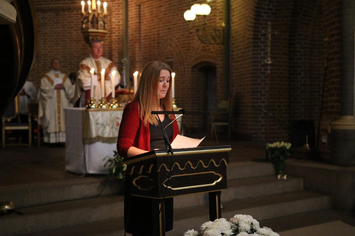 Rektor Birgitte Moltubakk taler. Foto: Mats Tande