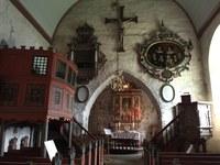 Messer i Dale kirke i Luster.jpg