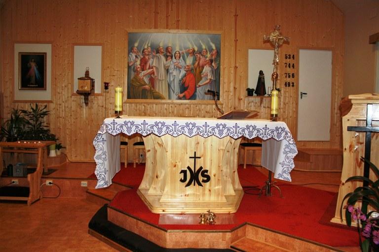 Alteret den hellige ånds kirke.jpg