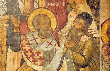 Saint_Nicholas_of_Myra_slapping_Arius_at_the_Council_of_Nicaea_Greek_Icon.jpg