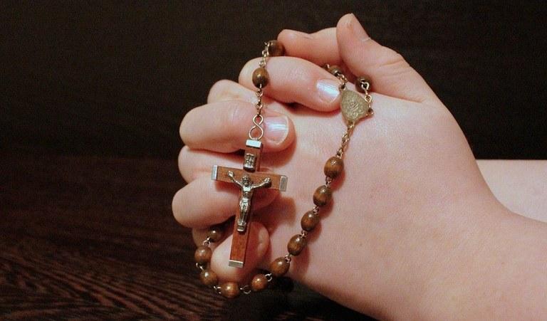 rosary-1211064_960_720.jpg