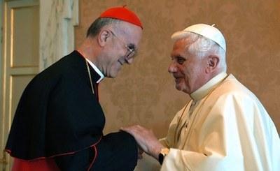 Bertone og paven