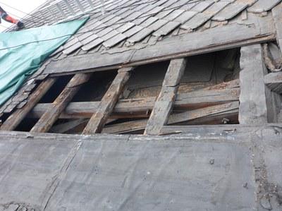 Detalj taket Vår Frue Tromsø lekterne i ferd med å gå i oppløsning