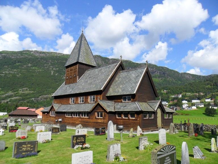 Røldal_stavkirke,_Odda_kommune,_Hordaland.jpg