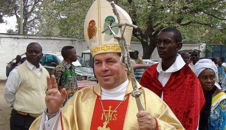 Archbishop_Jan_Romeo_Pawlowski.jpg