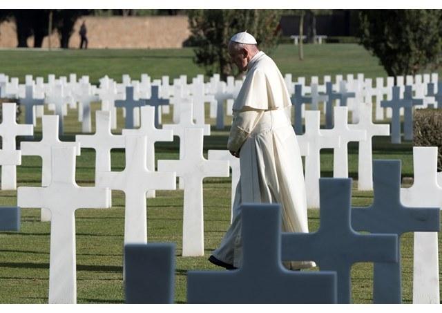 Pavens preken allesjelersdag.jpg