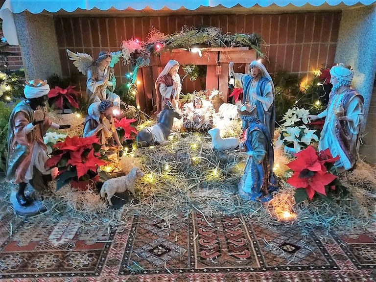 Julekrybbe ved Kristi Freds Kirke Eikeli Hosle.jpg