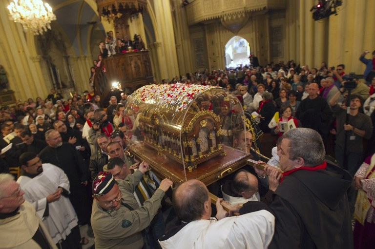Relics Therese of Lisieux Jerusalem.jpg