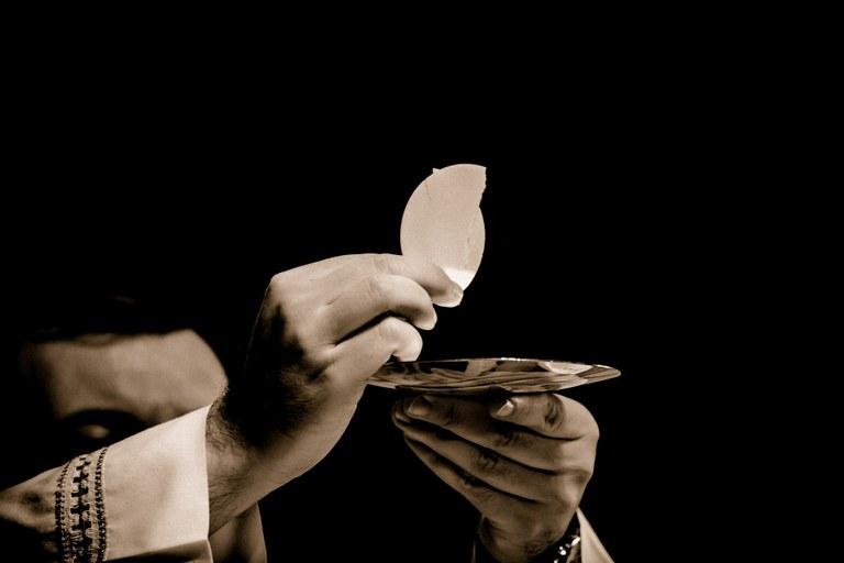 Pavens katekese Messen.jpg