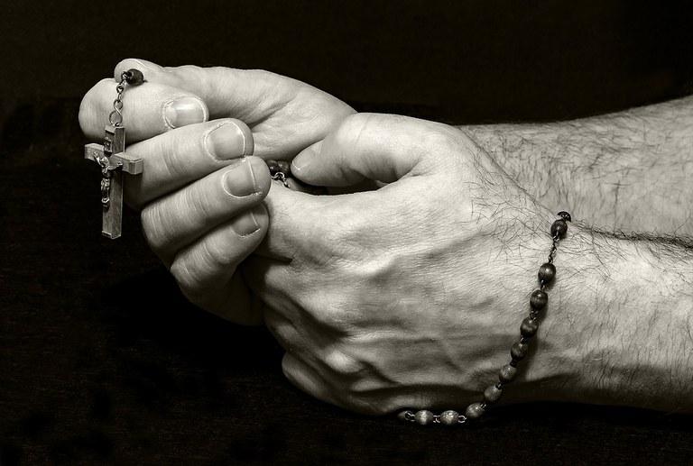prayer-1926473_960_720.jpg