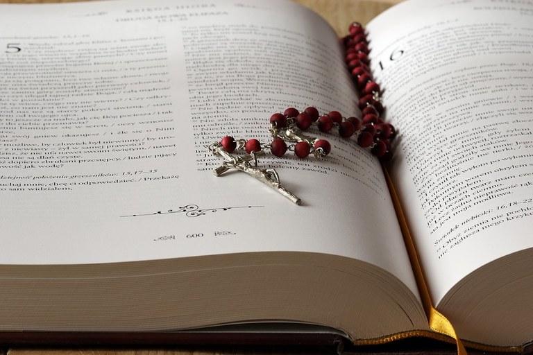 the-rosary-1766388_960_720.jpg