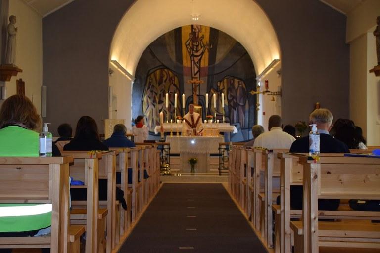 Arendal - Høymesse første søndag med mulighet for menighet å være tilstede - 1.JPG