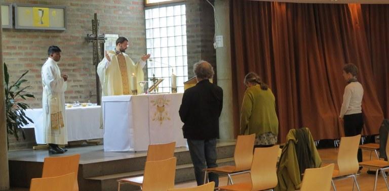 Messe i menighetssalen.JPG