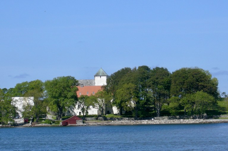 UTSTEIN kloster - klosteret er Norges eneste bevarte middelalderkloster. Foto Solveig Vikene : SCANPIX.jpeg