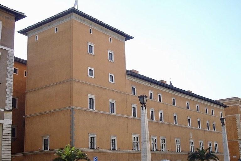 960px-Borgo_-_palazzo_dei_Penitenzieri_1150682.jpeg
