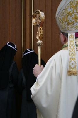 Kirkevigsel på Tiller.jpg